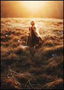 Bildverkstad Girl walks in the dew Poster